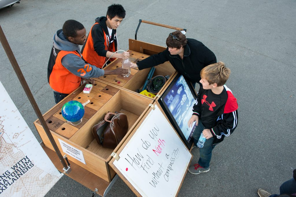 Exploratorium popup science cart